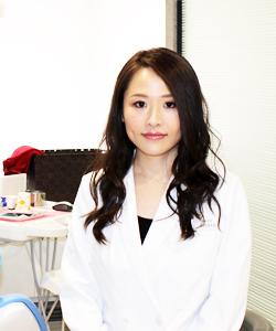 歯科医師・歯科外来部長:中根 沙矢佳